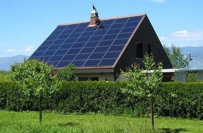 крыша из солнечных панелей