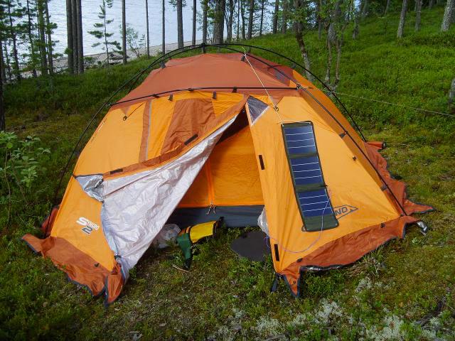 солнечная батарея на палатке