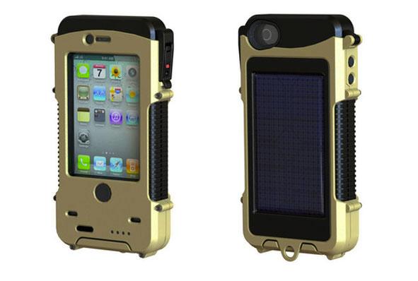 iPhone 4 в герметичном чехле