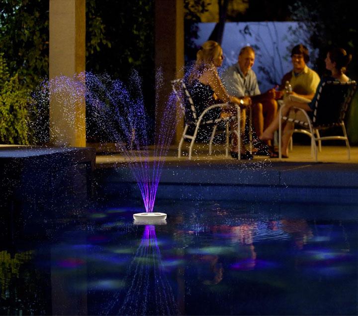 светильник в фонтане