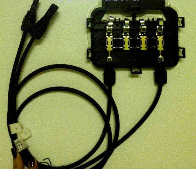 распределительная коробка с кабелями