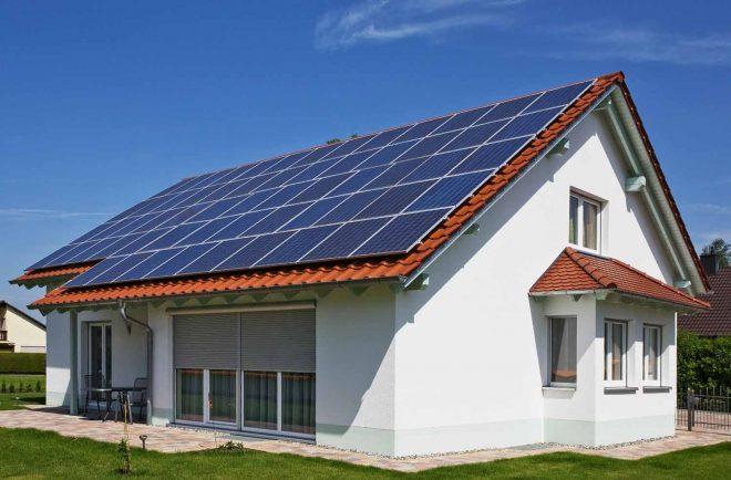 installare-pannelli-solari-fotovoltaici.jpg